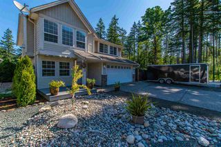 Photo 2: 65599 GORDON DRIVE in Hope: Hope Kawkawa Lake House for sale : MLS®# R2372921