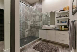 Photo 24: 25 WINDERMERE Drive in Edmonton: Zone 56 House for sale : MLS®# E4168337