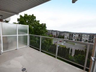 "Photo 17: 410 6450 194 Street in Surrey: Clayton Condo for sale in ""Waterstone"" (Cloverdale)  : MLS®# R2449085"