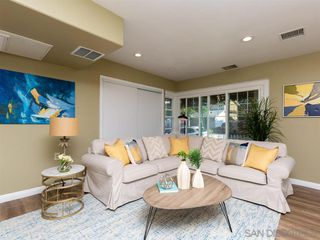 Photo 9: POINT LOMA House for sale : 3 bedrooms : 3702 Oleander Dr in San Diego