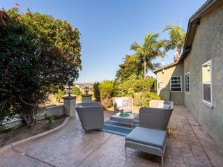 Photo 5: POINT LOMA House for sale : 3 bedrooms : 3702 Oleander Dr in San Diego