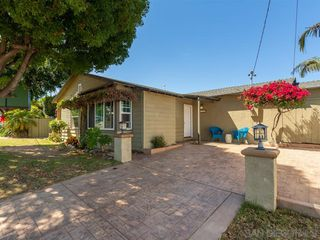Photo 2: POINT LOMA House for sale : 3 bedrooms : 3702 Oleander Dr in San Diego