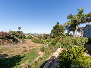 Photo 4: POINT LOMA House for sale : 3 bedrooms : 3702 Oleander Dr in San Diego