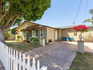 Photo 3: POINT LOMA House for sale : 3 bedrooms : 3702 Oleander Dr in San Diego