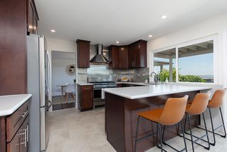 Photo 13: PACIFIC BEACH House for sale : 5 bedrooms : 2169 Harbour Heights Rd in San Diego