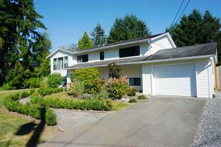 Photo 2: 9138 GAY Street in Langley: Fort Langley House for sale : MLS®# R2498880