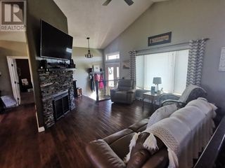 Photo 2: 2 Cricklewood Court in Rural Cardston County: House for sale : MLS®# A1033491