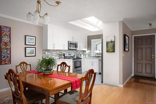 Photo 7: 7 2312 Henry Ave in : Si Sidney North-East Row/Townhouse for sale (Sidney)  : MLS®# 856222