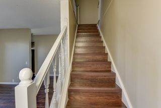 Photo 5: 122 MAYFAIR Mews in Edmonton: Zone 02 Townhouse for sale : MLS®# E4221714