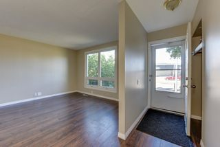 Photo 2: 122 MAYFAIR Mews in Edmonton: Zone 02 Townhouse for sale : MLS®# E4221714