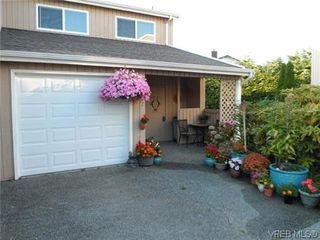 Photo 12: 107 3048 Washington Avenue in VICTORIA: Vi Burnside Townhouse for sale (Victoria)  : MLS®# 317784