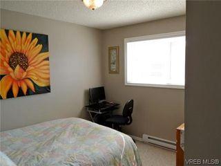 Photo 7: 107 3048 Washington Avenue in VICTORIA: Vi Burnside Townhouse for sale (Victoria)  : MLS®# 317784