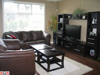 Photo 2: 13 6577 SOUTHDOWNE Place in Chilliwack: Sardis East Vedder Rd Townhouse for sale (Sardis)  : MLS®# H1300320