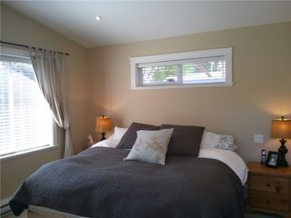 Photo 5: 1345 COTTONWOOD CR in North Vancouver: Norgate House for sale : MLS®# V1008223