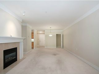 Photo 5: 115 3188 W 41st Avenue in Vancouver: Condo for sale : MLS®# V1024710