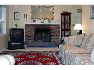 Photo 2: 1430 Simon Rd in VICTORIA: SE Mt Doug Single Family Detached for sale (Saanich East)  : MLS®# 305795