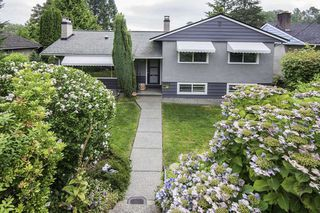 Photo 2: 6070 ELGIN AVENUE in Burnaby: Forest Glen BS House for sale (Burnaby South)  : MLS®# R2098392