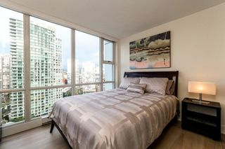 Photo 8: 2006 1077 MARINASIDE CRESCENT in Vancouver: Yaletown Condo for sale (Vancouver West)  : MLS®# R2337743
