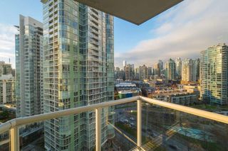 Photo 13: 2006 1077 MARINASIDE CRESCENT in Vancouver: Yaletown Condo for sale (Vancouver West)  : MLS®# R2337743