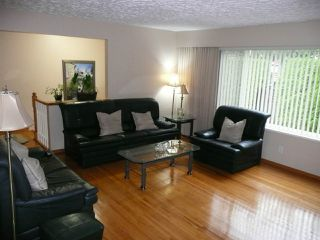 Photo 3: 4540 BOUNDARY Road in Burnaby: Burnaby Hospital House for sale (Burnaby South)  : MLS®# R2404654