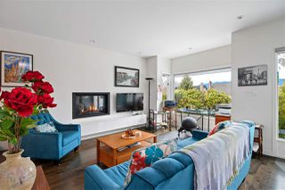 """Photo 3: 2530 CORNWALL Avenue in Vancouver: Kitsilano Townhouse for sale in """"NORTH OF 4TH AVENUE"""" (Vancouver West)  : MLS®# R2440158"""