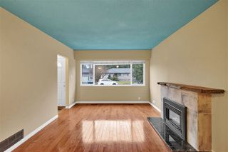 """Photo 3: 21545 STONEHOUSE Avenue in Maple Ridge: West Central House for sale in """"West Maple Ridge"""" : MLS®# R2440978"""