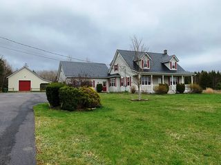 Photo 1: 300 Meadowvale Road in Meadowvale: 400-Annapolis County Residential for sale (Annapolis Valley)  : MLS®# 202007575