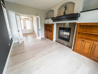 Photo 4: 2495 MARTELL Crescent in Edmonton: Zone 14 House for sale : MLS®# E4204378