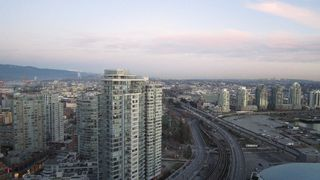 "Photo 2: 3301 602 CITADEL PARADE in Vancouver: Downtown VW Condo for sale in ""SPECTRUM 4"" (Vancouver West)  : MLS®# V934168"