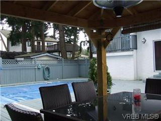 Photo 15: 2404 Marlene Dr in VICTORIA: Co Colwood Lake House for sale (Colwood)  : MLS®# 598509