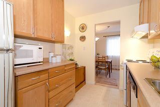"""Photo 13: 203 1775 W 11TH Avenue in Vancouver: Fairview VW Condo for sale in """"RAVENWOOD"""" (Vancouver West)  : MLS®# V938148"""