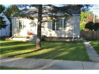 Photo 1: 604 CENTENNIAL Street in Winnipeg: Residential for sale (Canada)  : MLS®# 1113577