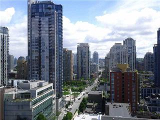 "Photo 3: 1509 1212 HOWE Street in Vancouver: Downtown VW Condo for sale in ""1212 HOWE"" (Vancouver West)  : MLS®# V953087"