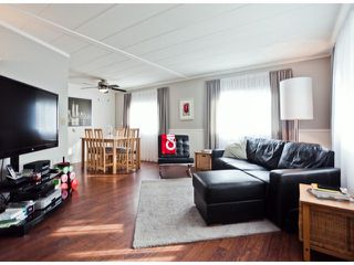 """Photo 3: 238 1840 160TH Street in Surrey: King George Corridor Manufactured Home for sale in """"BREAKAWAY BAYS"""" (South Surrey White Rock)  : MLS®# F1223433"""