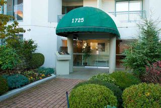 """Photo 1: 201 1725 MARTIN Drive in Surrey: Sunnyside Park Surrey Condo for sale in """"SOUTHWYND"""" (South Surrey White Rock)  : MLS®# F1307150"""
