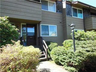 "Photo 1: 2331 MOUNTAIN Highway in North Vancouver: Lynn Valley Townhouse for sale in ""Yorkwood Park"" : MLS®# V1015049"