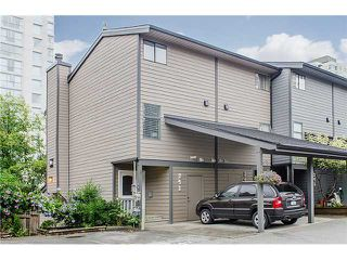 Photo 1: 241 BALMORAL Place in Port Moody: North Shore Pt Moody Townhouse for sale : MLS®# V1021007