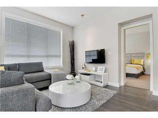 Photo 2: # 201 10477 154TH ST in Surrey: Guildford Condo for sale (North Surrey)  : MLS®# F1420082