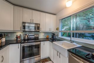 Photo 8: 2262 ALDER STREET in Vancouver: Fairview VW Townhouse for sale (Vancouver West)  : MLS®# R2300774