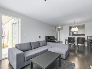 Photo 9: 301 2340 HAWTHORNE AVENUE in Port Coquitlam: Central Pt Coquitlam Condo for sale : MLS®# R2316603