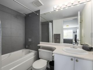Photo 17: 301 2340 HAWTHORNE AVENUE in Port Coquitlam: Central Pt Coquitlam Condo for sale : MLS®# R2316603