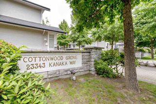 "Main Photo: 35 23343 KANAKA Way in Maple Ridge: Cottonwood MR Townhouse for sale in ""COTTONWOOD GROVE"" : MLS®# R2474090"