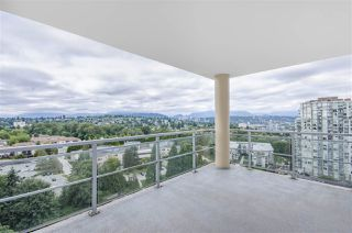 """Photo 12: 1902 280 ROSS Drive in New Westminster: Fraserview NW Condo for sale in """"CARLYLE"""" : MLS®# R2479477"""