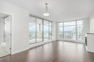 """Photo 6: 1902 280 ROSS Drive in New Westminster: Fraserview NW Condo for sale in """"CARLYLE"""" : MLS®# R2479477"""