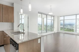 """Photo 4: 1902 280 ROSS Drive in New Westminster: Fraserview NW Condo for sale in """"CARLYLE"""" : MLS®# R2479477"""