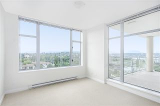 """Photo 10: 1902 280 ROSS Drive in New Westminster: Fraserview NW Condo for sale in """"CARLYLE"""" : MLS®# R2479477"""
