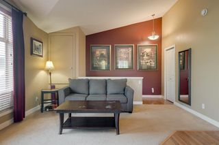 Photo 9: 206 7 EVERRIDGE Square SW in Calgary: Evergreen Row/Townhouse for sale : MLS®# A1037187