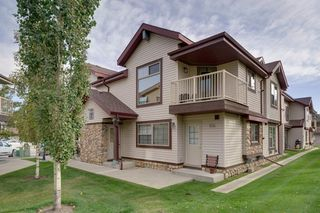 Photo 17: 206 7 EVERRIDGE Square SW in Calgary: Evergreen Row/Townhouse for sale : MLS®# A1037187