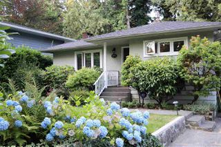 Photo 2: 2112 MACKAY AVENUE in North Vancouver: Pemberton Heights House for sale : MLS®# R2488873