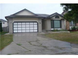 Photo 1: 10 STREWCHUK Bay in Winnipeg: Residential for sale (Canada)  : MLS®# 1115734